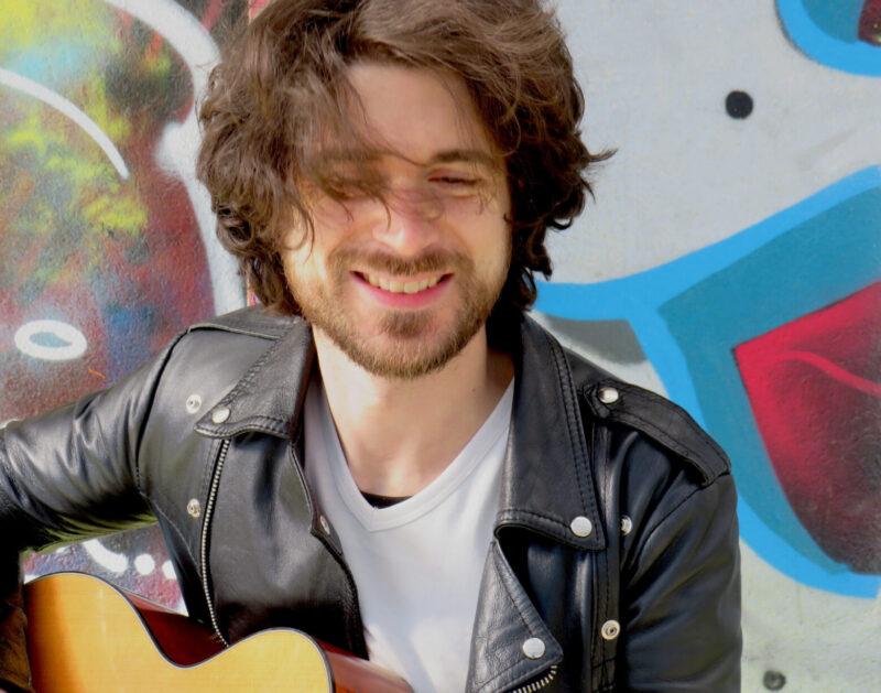 Francesco Balasso, il giovane cantautore si racconta